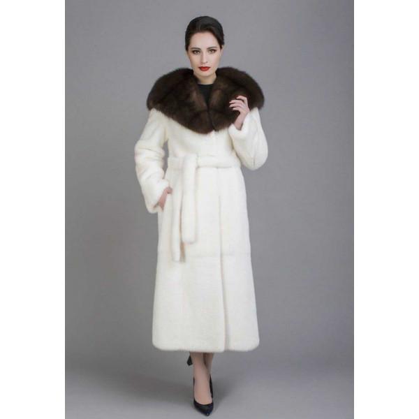 Elizabeth mink coat